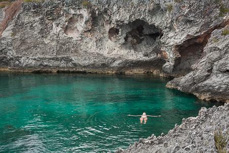 diving off rock cliffs (1)