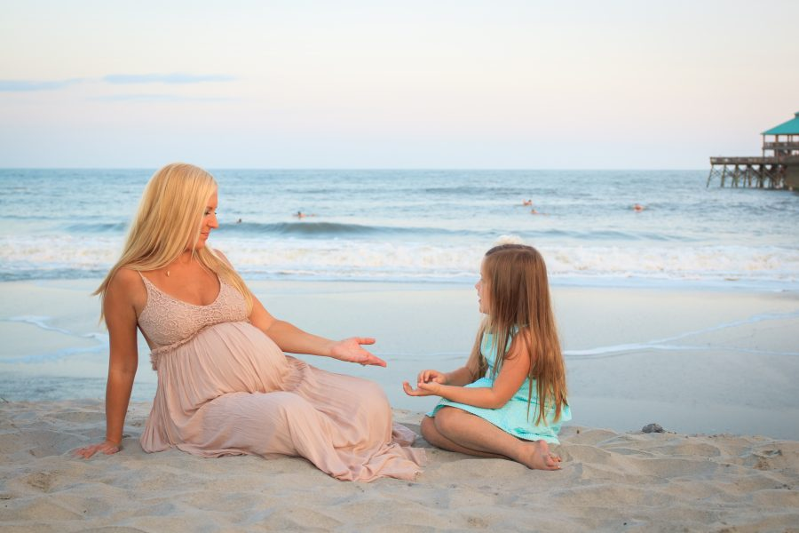 mother daughter maternity photos