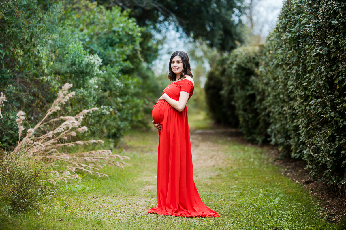 pregnancy photos red dress